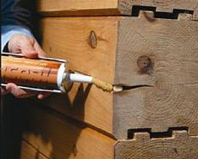 Заделка трещин специальным герметиком