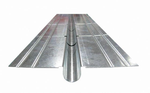 Теплообменная пластина с каналом для укладки трубы