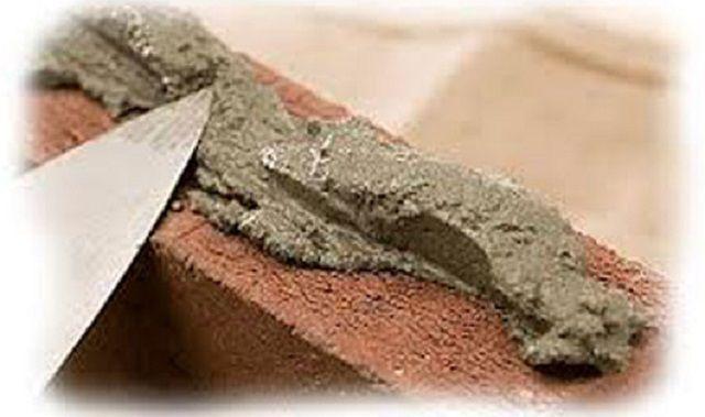 Может применяться при кладке некоторых отделов печи и обычный цементно-песчаный раствор