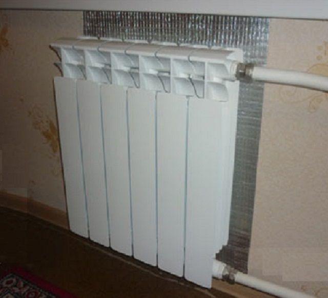 Нехитрое приспособление, но помогает хорошо экономить тепловую энергию