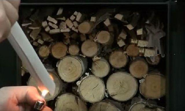 Розжиг дров осуществляется сверху