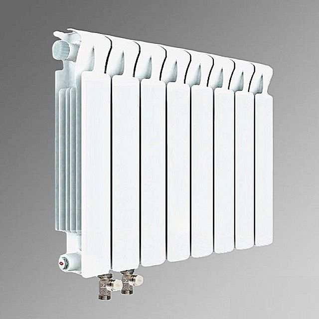 Радиатор «Rifar Base Venti» 500 8-секционный с нижним подключением.