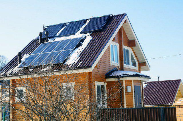 Применение солнечных коллекторов для отопления также будет действенным лишь в случае наличия аккумулирующей емкости.