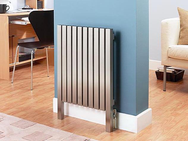 Принять такой радиатор за вертикальный, или все же отнести к разряду высоких? Каждый решает индивидуально.