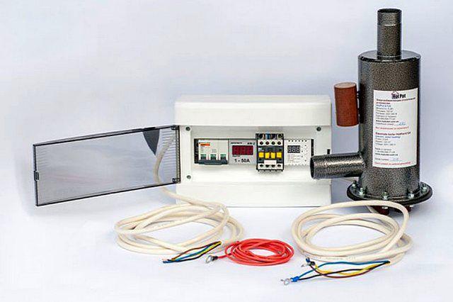 Котел, укомплектованный выносным модулем управления и набором коммутационным проводов