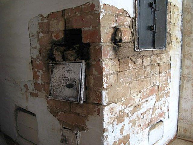 Понятно, что такую «потрепанную» печь эксплуатировать нельзя – она нуждается в срочном ремонте