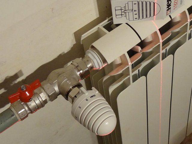 Очень аккуратно выполненная обвязка с шаровым краном перед термоклапаном.