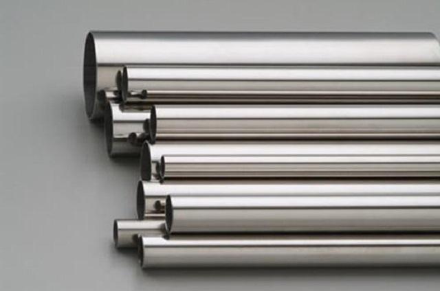 Нержавеющие трубы могут иметь разный диаметр, поэтому из них можно подобрать подходящий вариант для конкретного контура.
