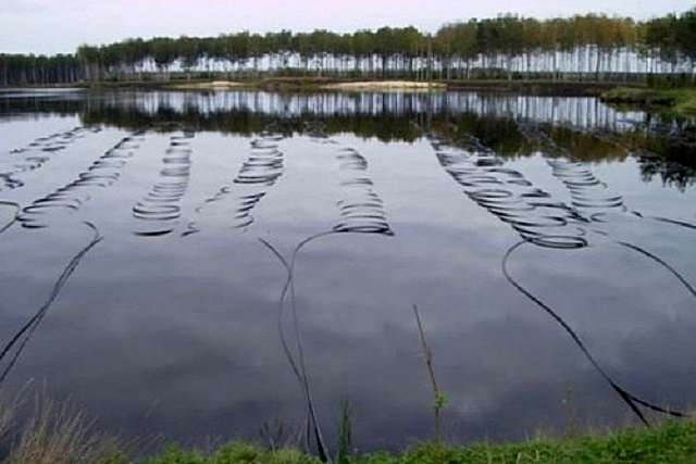Постоянным источником тепла может служить водоем или близко расположенный к поверхности земли водоносный горизонт.