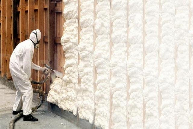 Утепление стен пенополиуретаном.
