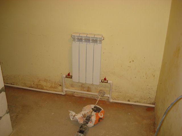 Пример подключения радиатора через запорные шаровые краны