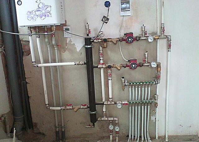 Все больше хозяев городских квартир стараются перейти на полную автономность в вопросах отопления и горячего водоснабжения