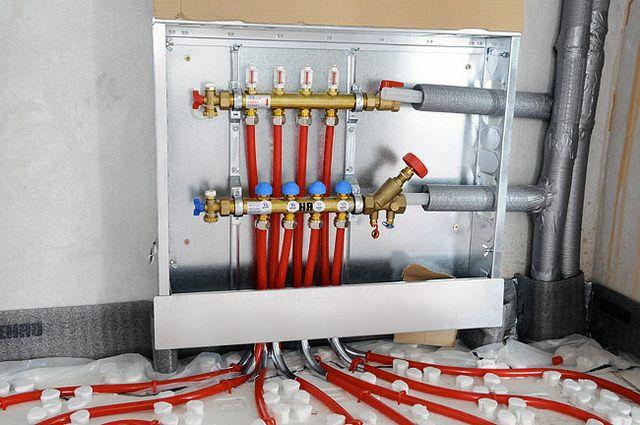 Система специальных фитингов обеспечивает надежное подключения труб к коллекторам