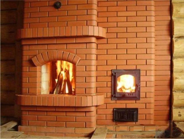 А такая печь предназначена только для нужд отопления, но позволяет при этом наслаждаться огнем в камине