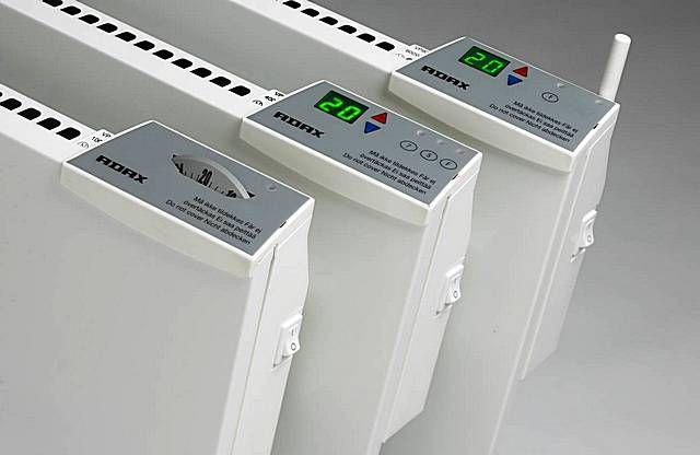 Сходные модели одного бренда могут комплектоваться как электромеханическими, так и электронными термостатами
