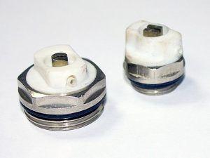 Краны Маевского – в закрытом положении будут выполнять роль обычных заглушек, но всегда позволяют выпустить скопившийся в радиаторе воздух.