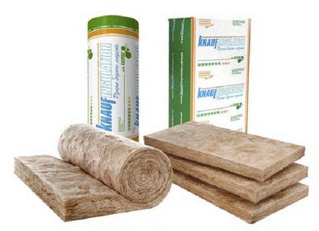 Теплоизоляция «Knauf» поставляется в продажу в матах и плитах.