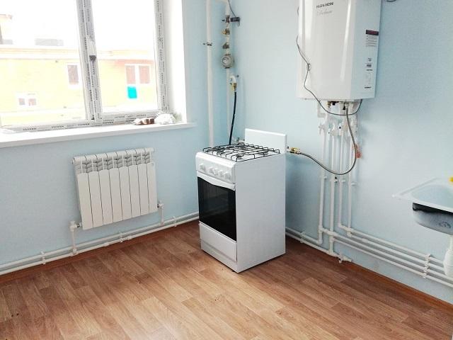 Кухонное помещение – пока без мебели, сразу после завершения работ по монтажу газового настенного котла и всей системы отопления.