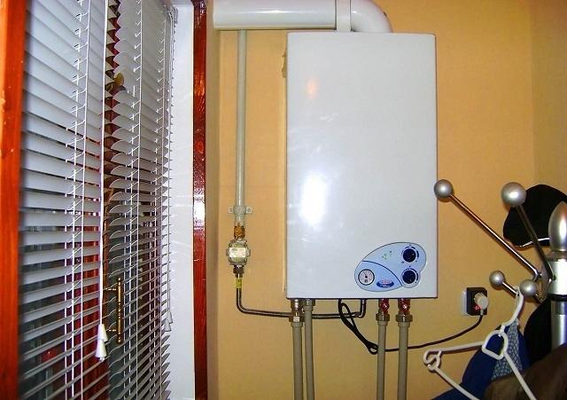 Автономное отопление в квартире, помимо большого количество удобств, возлагает на хозяев немало обязанностей и требует повышенной ответственности