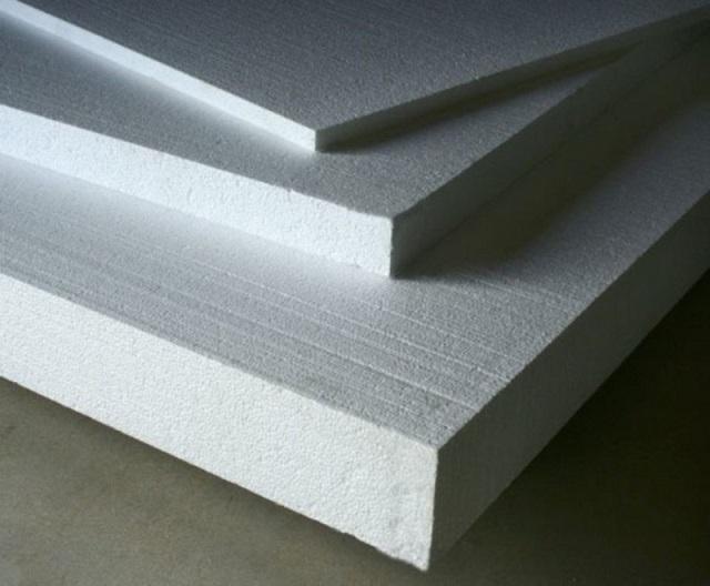 Пенопластовые плиты могут иметь разную толщину, плотность и линейные размеры.