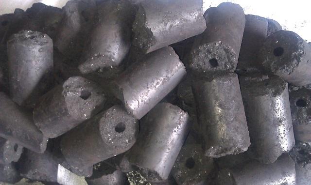 Угольные брикеты.