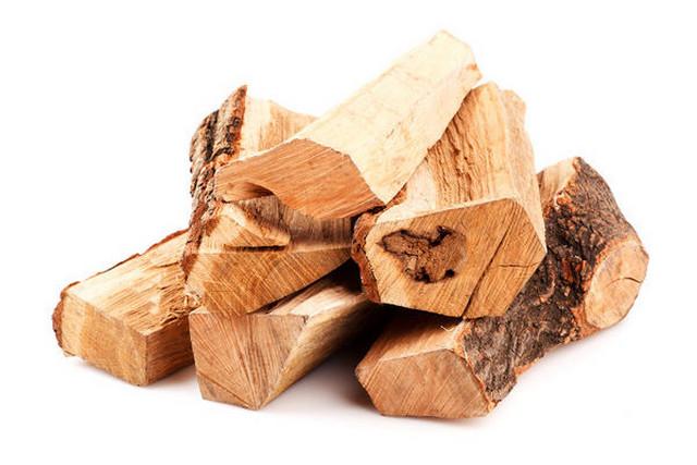 Липовые дрова очень неохотно воспламеняются, но затем дают вполне приличную теплоотдачу
