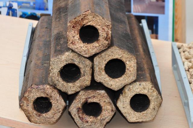 Топливные брикеты из прессованных древесных отходов «Pini Kay», или, как их чаще величают – «евродрова».