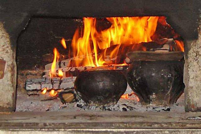 Бытует вполне справедливое мнение, что ни одно другое твердое топливо не способно создать настолько уютную домашнюю атмосферу