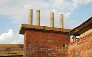 Асбестоцементные трубы нередко используют для удлинения старых вентиляционных кирпичный каналов. Рациональность их применения с отопительным оборудованием – весьма сомнительна.