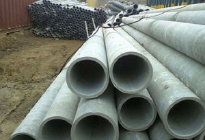 Асбестоцементные трубы не предназначены для установки их в качестве гильз в дымоходные трубы. Так что, используя их в этой роли, владелец берет на себя немалый риск