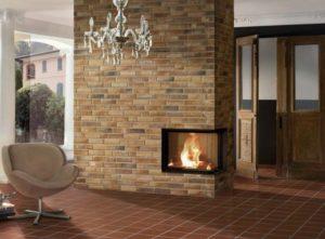 Плитка отлично выдерживает перепады температур, поэтому как нельзя лучше подходит для облицовки отопительных сооружений — печей и каминов.