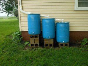 У хорошего хозяина и дождевая вода не пропадает – используется на хозяйственные нужды. Подойдет она и для заполнения системы отопления.