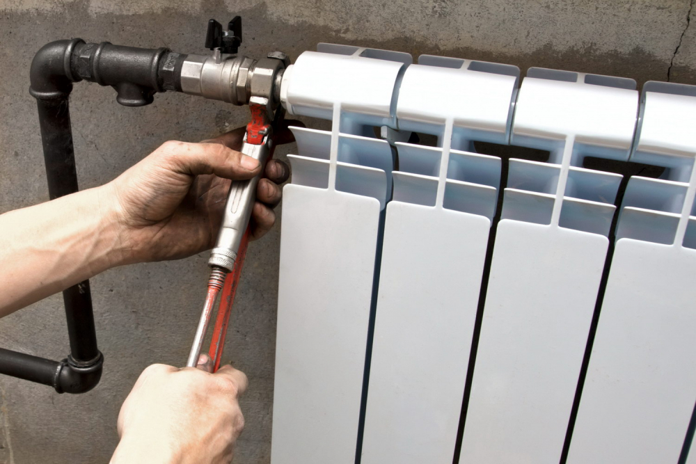 Как поменять радиатор отопления в квартире: может ли собственник ...