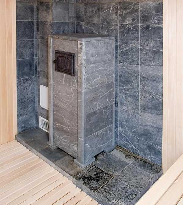 Талькохлоритные плитки долго держат тепло, в связи с чем для бани подходят идеально