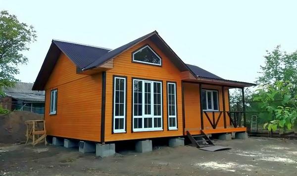 Если каркасно-щитовой дом построен правильно, он будет «служить» не меньше 50 лет без необходимости ремонта